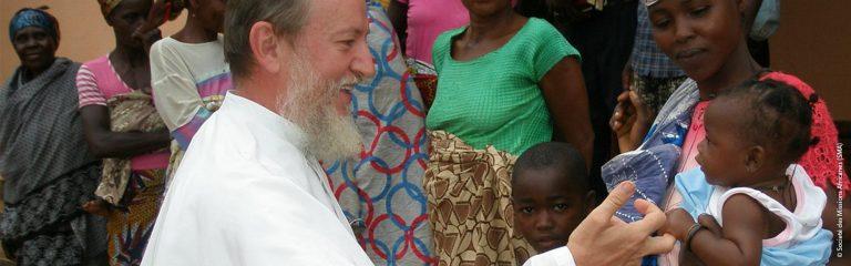 Níger: Surpresa e alegria com um novo vídeo de um padre raptado em 2018