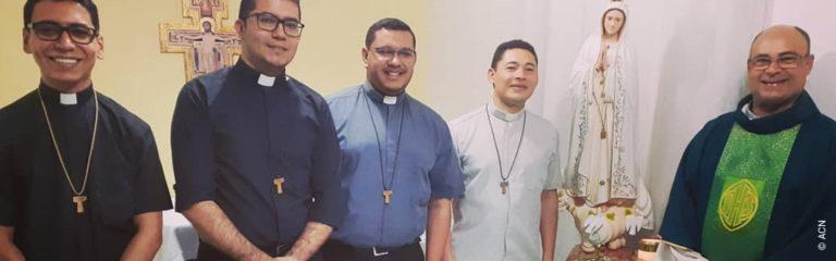 Brésil: Aide à la formation pour 54 futurs prêtres de la communauté «Shalom»